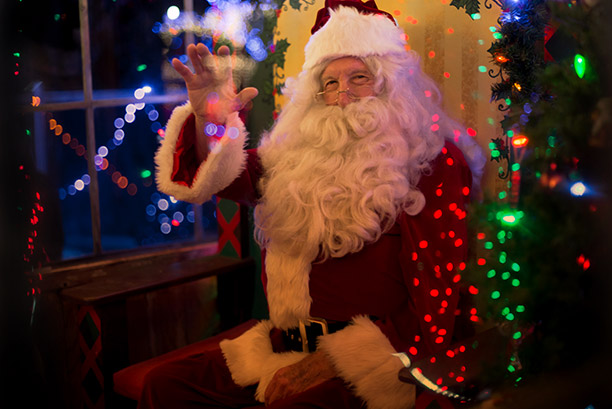 Christmas In July Put In Bay 2018.Cambria Christmas Market A Festive Holiday Event With
